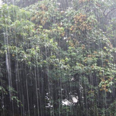 大雨に注意!!